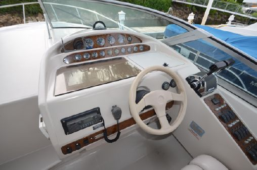 Regal Commodore 322 image