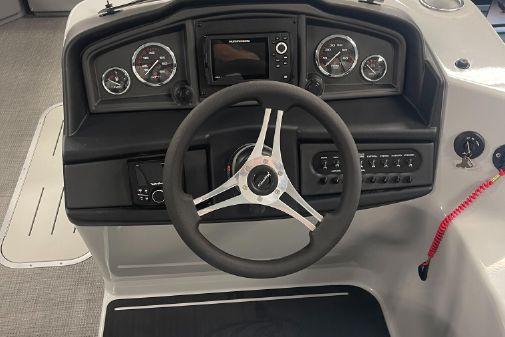 Bentley Pontoons 2022 Navigator 223 image