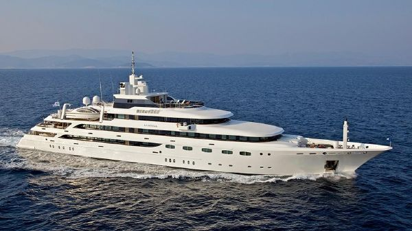 Golden Yachts 14-suite Charter Yacht 271' O'Mega running