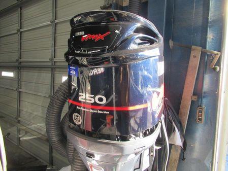 Yamaha Outboards 250 HPDI image