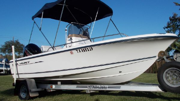 Sea Hunt 172 CC