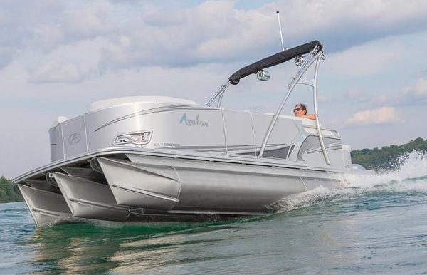 2018 Avalon Venture Cruise - 20'