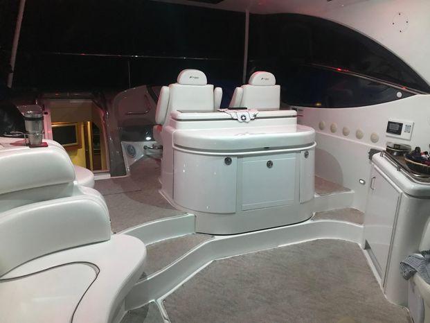 2008 Cruisers Yachts Buy Sell