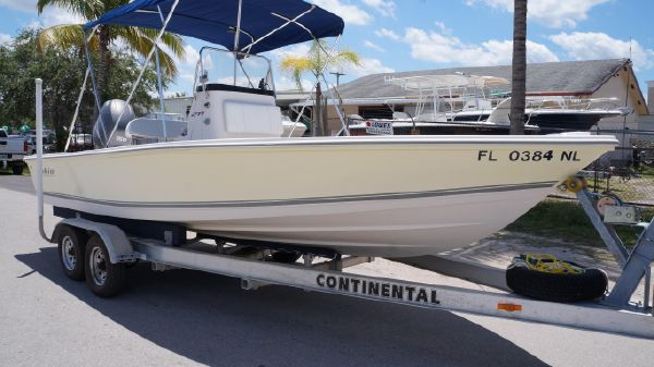 Cobia 221 Bay with Trailer