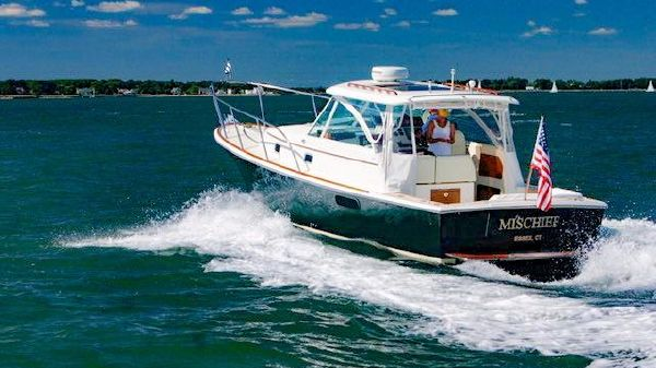 Hunt Yachts Surfhunter 33 MISCHIEF (Name Reserved)