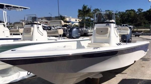 NauticStar 2140 Sport Center Console 2017 NauticStar 2140 Center Console