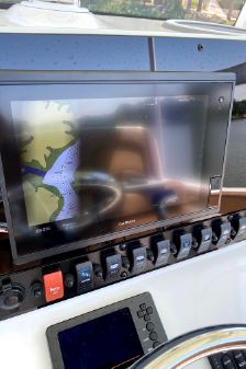 Sea Hunt Ultra 255 image