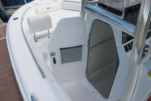 Sea Hunt Triton 210 image