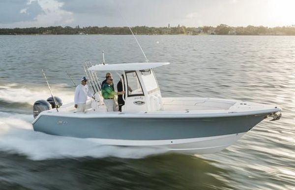 2021 Sea Hunt Gamefish 27 Forward Seating