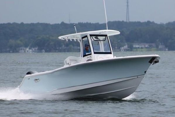 Sea Hunt Gamefish 27 with Coffin Box - main image