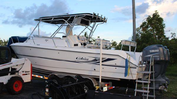 Cobia 312 Sport Cabin