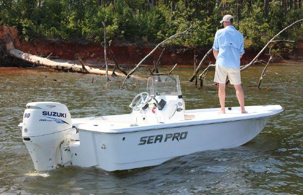 2018 Sea Pro 172 Bay
