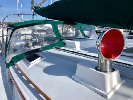 Nonsuch 33 image