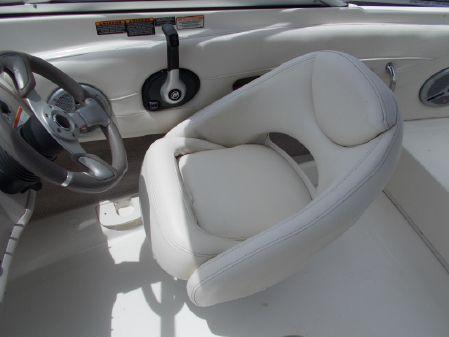 Maxum 1800 BR image