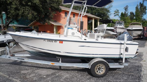 Sea Hunt Triton 172