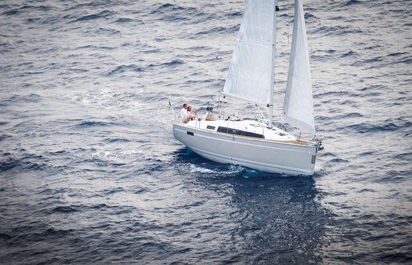 2017 Bavaria Cruiser 33