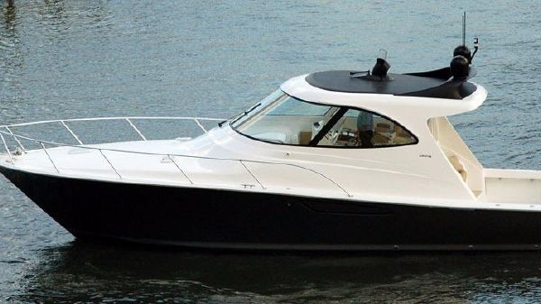 Viking Yacht 42 Sport Coupe Port Side