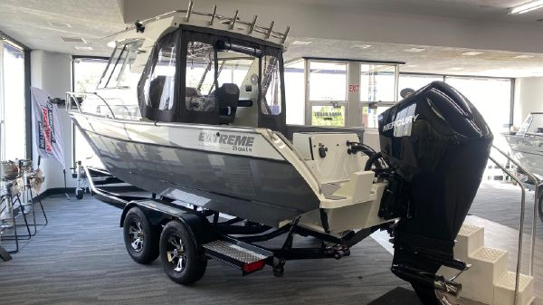Extreme Boats 745 Game King