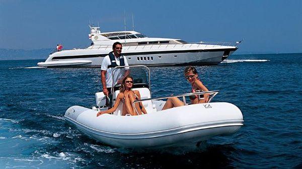 Zodiac Yachtline Deluxe 530