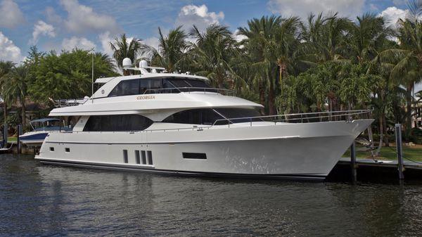 Ocean Alexander 90 Motor Yacht Profile