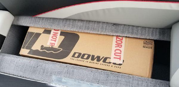 Lowe SD 224 Sport Deck image
