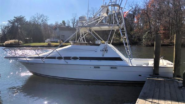 Luhrs 290 Express Sportfish w/Tower