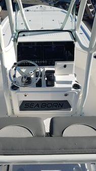 Sea Born FX22 Bay image