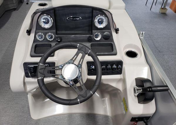 Sylvan Mirage 8520 Cruise LES image