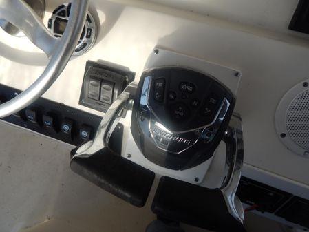 Pursuit 3070 Offshore Center Console image