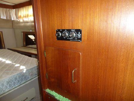 Tollycraft Sundeck Motor Yacht image