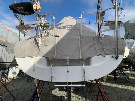 Catalina 320 image