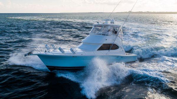 Riviera 42' Flybridge Motoryacht