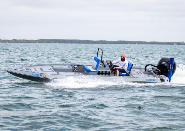Carrera Boats Flat Cat CC image