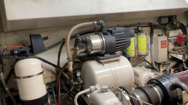 Hatteras 74' MOTORYACHT image