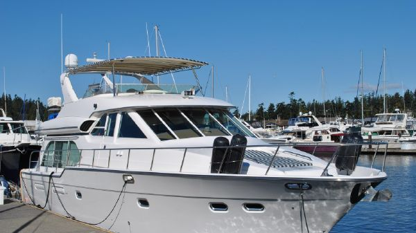 Bayliner 5788 Pilothouse Motor Yacht 2002 Bayliner 5788 Pilothouse