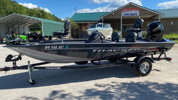 Tracker Pro Team 175 TF w/ 60 ELPT FourStroke and Trailer