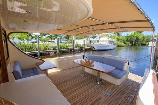 Palm Beach Motor Yachts PB55 image