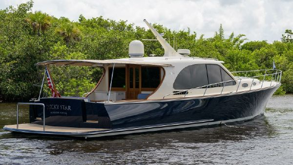Palm Beach Motor Yachts PB55