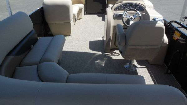 Bentley Pontoons 240 CRRE