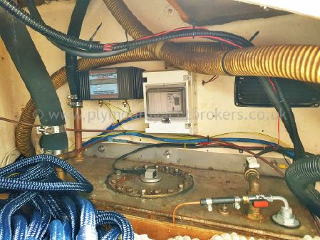 Moody 31 MkII Bilge Keel image