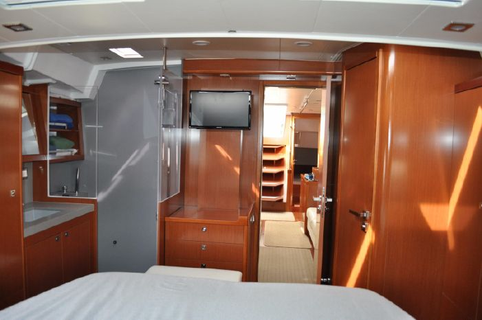 2013 Beneteau Oceanis 55 Broker BoatsalesListing