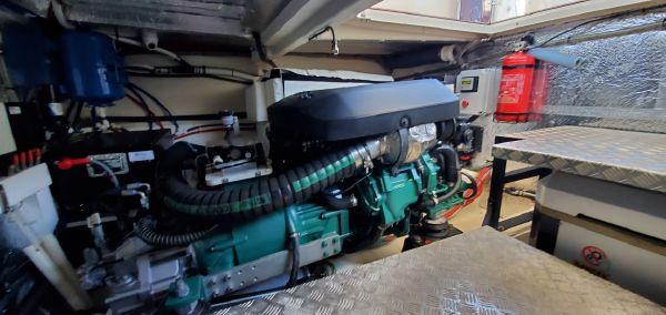 Greenline 48 Coupe Hybrid image