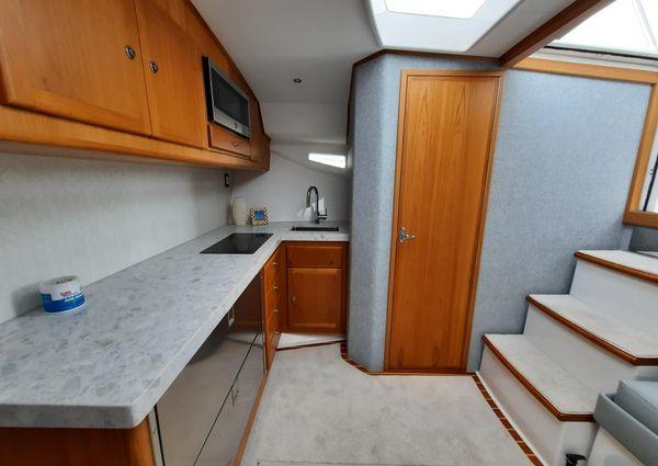 Mag Bay 42 Express image