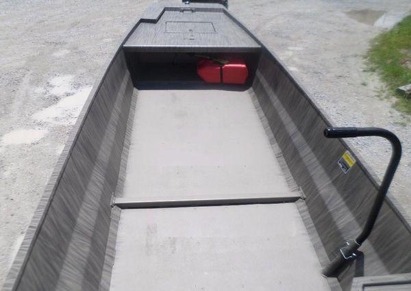 GATOR TAIL 1748 image