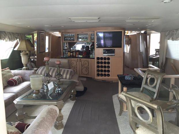 1989 Broward Motor Yacht Broker Purchase