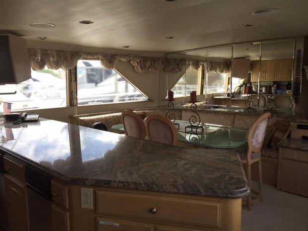 1989 Broward Motor Yacht Sell Buy