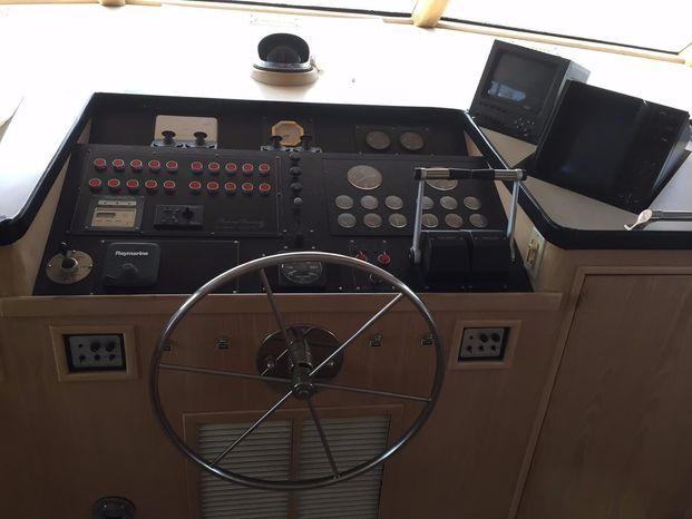 1989 Broward Motor Yacht Broker Connecticut