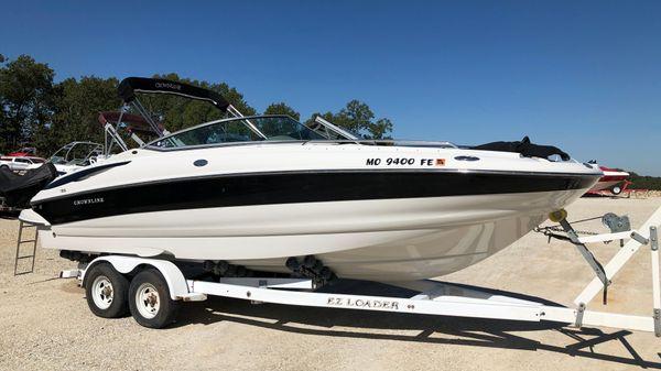 Crownline 260 EX Deck Boat