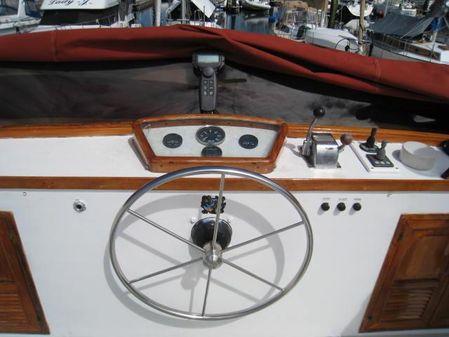 Davis Europa Sedan Trawler image