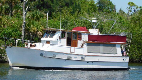 Ta Chiao Bluewater Long Range Cruiser Pilot House